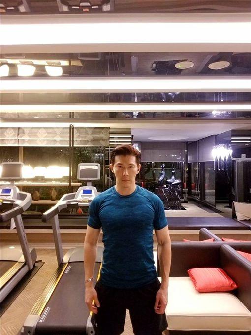 47歲的黃少祺身材身材保持相當健美,他很期待能代言運動器材或保健食品。(圖/翻攝自臉書)