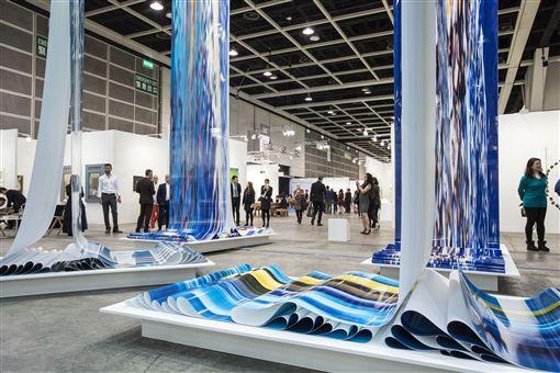 圖4(S)-第七屆的香港巴塞爾藝術展邀請了來自36個國家共242間藝廊參展.jpg