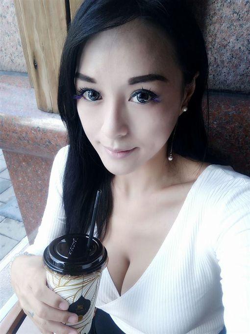 正妹,原住民,辣妹,若妍(圖/翻攝自臉書)