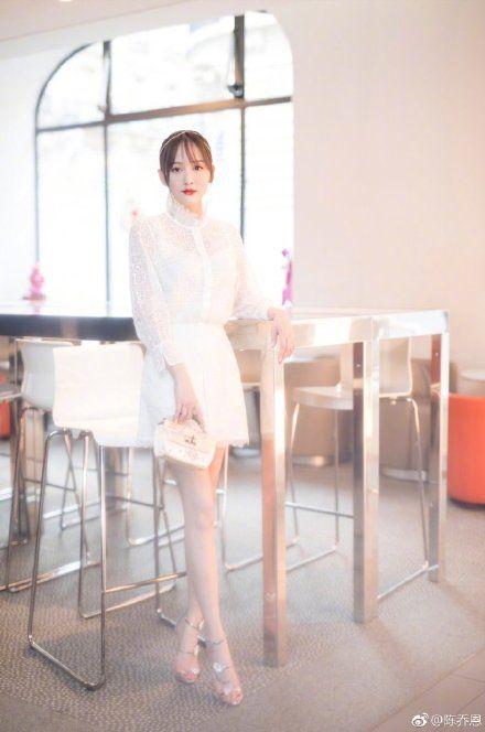 陳喬恩,高跟鞋,傷痕/翻攝自陳喬恩微博