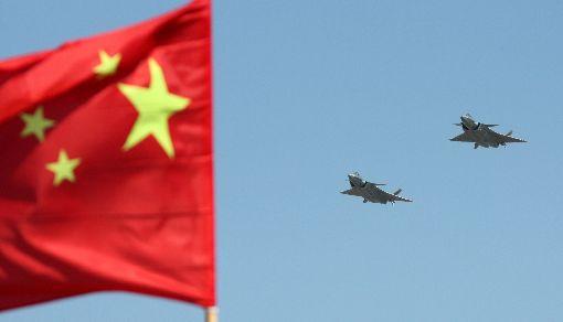 中國軍費增7.5% 西方憂軍力投射及籌購先進裝備中國政府5日提出工作報告,今年國防預算將比去年成長7.5%,雖低於去年增幅,但仍高於經濟成長目標。專家關切中國致力提升軍力投射與增加像殲20(圖)匿蹤戰機這類先進裝備。中央社記者陳亦偉攝 108年3月5日