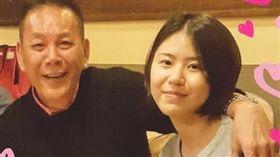 龍劭華22歲女兒陳璇身高171公分,長相甜美。(圖/翻攝自臉書)