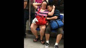 地鐵,嬌喘,情侶,摳,Our Singapore 圖/翻攝自臉書Our Singapore