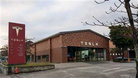 特斯拉大降價 台灣已未見抗議車主美國電動車製造商特斯拉(Tesla)全球大降價,部分台灣車主日前去台灣特斯拉內湖總部抗議,但內湖總部門市4日未見抗議車主。中央社記者韋樞攝 108年3月4日