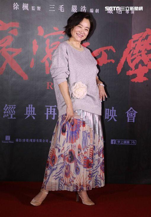 傳奇女星林青霞昨晚為參加《滾滾紅塵》復刻版上映出席返台。(圖/記者邱榮吉攝影)