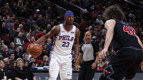 NBA/巴特勒迷上頭帶 遭隊友嚇爆 NBA,費城七六人,Jimmy Butler,頭帶 翻攝自推特