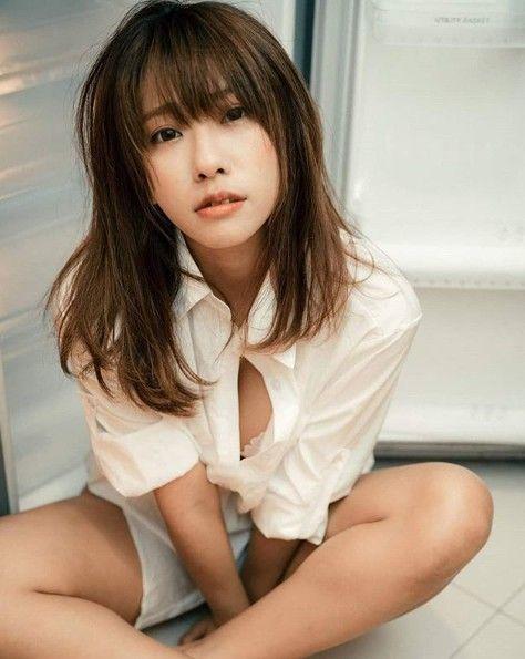 寫真女星路雨希(Lucy)/臉書