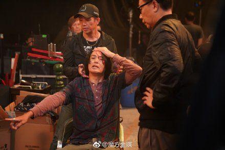 周潤發遭對手演員誤傷,頭破血流送醫縫五針/翻攝自微博