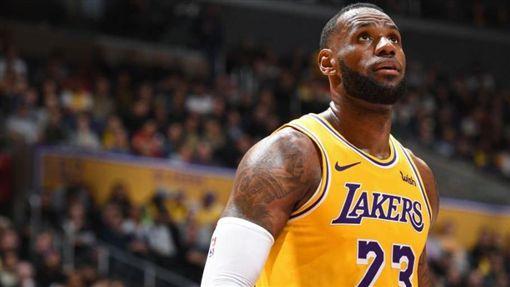 NBA/詹皇超越喬神紀錄 湖人慘敗NBA,洛杉磯湖人,LeBron James翻攝自推特