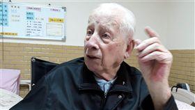 荷蘭畢耀遠神父辭世97歲荷蘭籍畢耀遠神父來台逾一甲子,建構雲林中部平原及西部沿海的偏鄉地區醫療服務網絡。他所創建的雲林虎尾若瑟醫院8日在網站張貼畢耀遠神父逝世訊息「我們所敬愛的畢耀遠神父今天凌晨4時整,走完他精彩豐富、滿是愛與奉獻的一生,現已回歸天主的懷抱,請為他的靈魂安息祈禱。」(若瑟醫院提供)中央社記者黃國芳傳真 108年3月8日