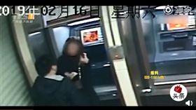 (圖/翻攝自微博)中國,廣東,搶劫,超展開,ATM