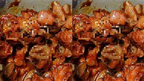 去大賣場買調味好的螺肉,吃剩下五分之一,發現有這樣東西出現,胃口全倒光(圖/爆怨公社)