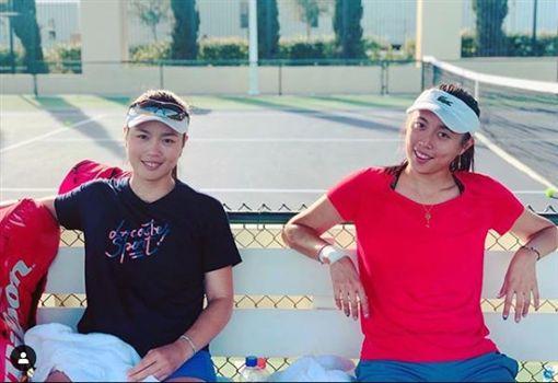 ▲詹詠然(左)與妹妹詹晧晴今年也有1冠入袋。(圖/翻攝自詹詠然IG)