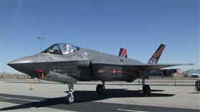 F-35戰機為期兩天的年度洛杉磯郡航空秀,靜態展示的F-35戰機。中央社記者曹宇帆蘭卡斯特攝 107年3月24日