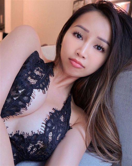 語言治療師,正妹,越南,混血兒/Faye Miah IG
