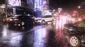 高雄,酒駕,牛排,車禍,監視器畫面(圖/翻攝畫面)