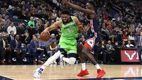 NBA/右膝啪一聲!唐斯最新傷情 NBA,明尼蘇達灰狼,Karl-Anthony Towns,受傷 翻攝自推特