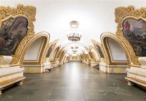 ▲如藝廊般的莫斯科地下鐵(圖/dreamstime提供)