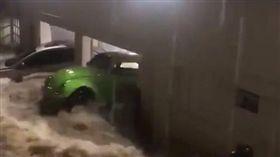 巴西聖保羅暴雨。(圖/翻攝自推特)