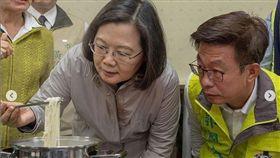 蔡英文總統12日在IG上推薦台南善化區的芝麻拌麵。(圖/翻攝蔡英文IG)