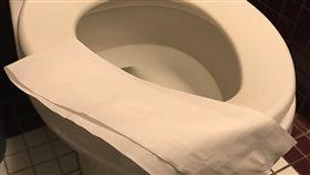 馬桶坐墊鋪衛生紙?專家:反而更髒!做到這3件事才是對的(記者陳則凱攝影)