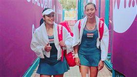 ▲詹詠然(左)與妹妹詹皓晴聯手力爭決賽門票。(圖/劉雪貞提供)
