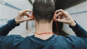 藍芽耳機(圖/pixabay)