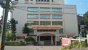台北,中華科大,東吳商學院,男大生,跳樓,輕生(圖/翻攝自Googlemap)
