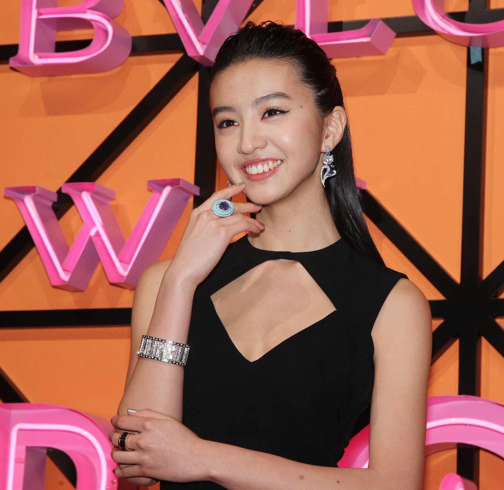 木村光希出席2019Wild Pop頂級珠寶展,有著「9頭身」的好身材有國際巨星架式。(記者邱榮吉/攝影)