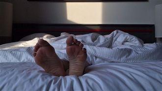 睡到一半腳抽筋!恐是肝臟問題找上門
