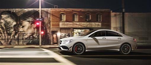 ▲入主CLA、CLA Shooting Brake加碼再贈3年保養套裝。(圖/Mercedes-Benz提供)