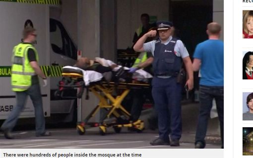 紐西蘭清真寺遭槍手掃射至少6死 目擊者:身邊都是屍體(圖/MIRROR)