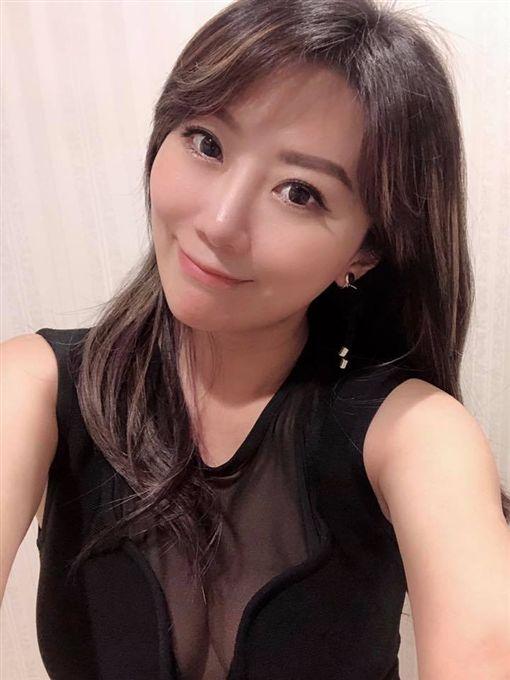 佩甄,台灣好媳婦,深V/翻攝自佩甄臉書