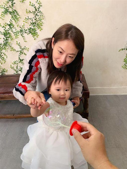 福原愛,江宏傑,小小愛,賈永婕,全家福,懷孕/翻攝自臉書