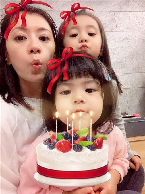 賈靜雯,修杰楷,咘咘,Bo妞,生日/翻攝自臉書