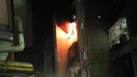 新北,板橋,火警,陽台,一家9口(圖/翻攝自我是板橋人臉書)