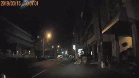 台中,女運將,司機,性騷擾,摸胸(圖/翻攝自爆料公社臉書)