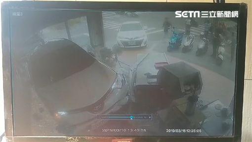 休旅車,水泥預拌車,仁武烤鴨,車禍,高雄