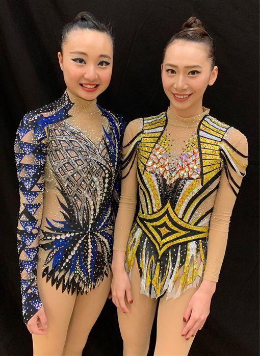 ▲李慈纹(左)丶宋語涵換上嶄新比賽服裝。(圖/體育署提供)