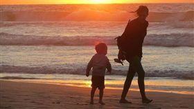 母子(圖/Pixabay)