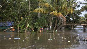 印尼,巴布亞省,暴洪,山崩(圖/翻攝自推特)