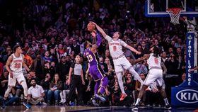 NBA/湖人輸!詹皇最後一擊糗吃鍋 NBA,洛杉磯湖人,LeBron James,紐約尼克 翻攝自推特