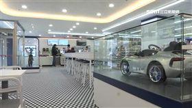 狂! 超商聯名超跑品牌 門市餐桌變賽車場