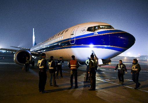 中國停飛波音737MAX 中美貿易談判添變數中國各航空公司和金融租賃公司是波音737 MAX客機,在美國以外的最大買家。737 MAX 8停飛,可能讓中美貿易談判更加複雜化。圖為南方航空737 MAX客機飛抵烏魯木齊機場。(中新社提供)中央社  108年3月18日