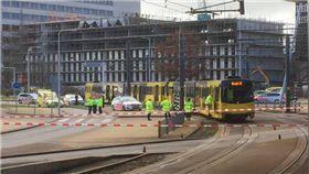 荷蘭驚傳槍擊案!兇嫌電車開槍釀1死多傷 圖/翻攝推特