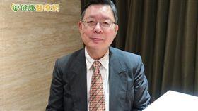 王輝明副主任呼籲,癌友應加強營養補充、提升體力,在治療過程中不因副作用而中斷治療。