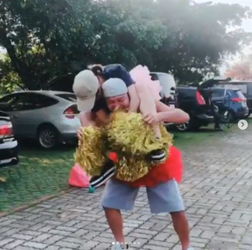 熊熊,KID,坤達,慶生,雪乳/翻攝自熊熊IG
