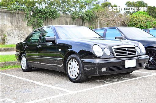 ▲Mercedes-Benz W210 E-Class。(圖/鍾釗榛攝影)