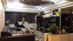 天花板,吊扇,客廳,台北,翻攝臉書