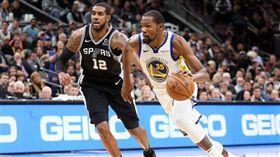 NBA/擊敗4星勇!馬刺豪取9連勝 NBA,聖安東尼奧馬刺,LaMarcus Aldridge,金州勇士,Kevin Durant